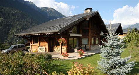 chalet les frenes chamonix chamonix mont blanc chalet savoyard neuf gd terrasse sud jardin 5 pi 233 ces rh 244 ne alpes