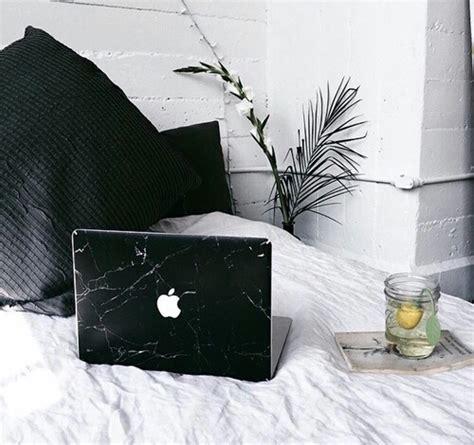 chambre nuit d amour noir noir et blanc macbook chambre image