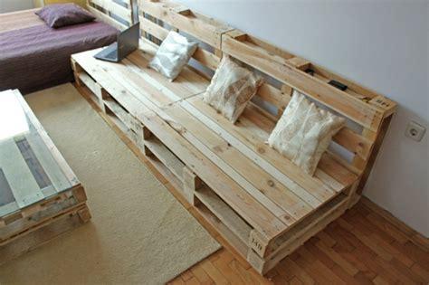 canapé avec des palettes canape en bois de palette mzaol com