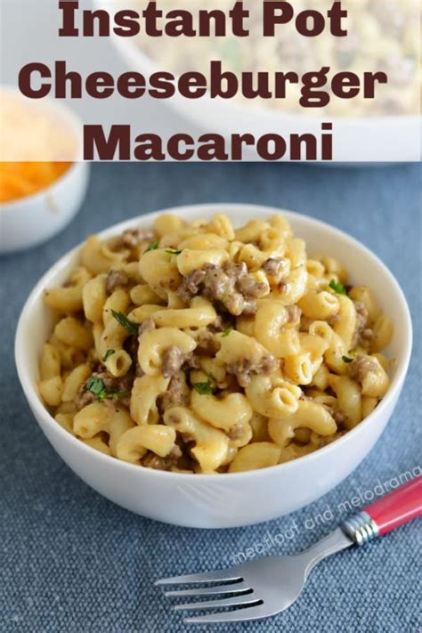This recipe uses the mild rotel diced tomatoes but you can always kick it up a notch with the medium or hot versions. Velveeta Macaroni And Cheese Ground Beef Recipes | Deporecipe.co