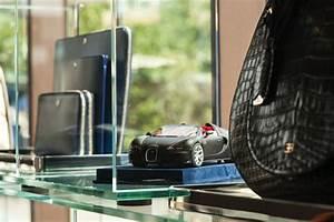 Voiture Prestige Alsace : bugatti ouvre un pop up store estival porto cervo soblacktie blog magazine tendances luxe ~ Gottalentnigeria.com Avis de Voitures