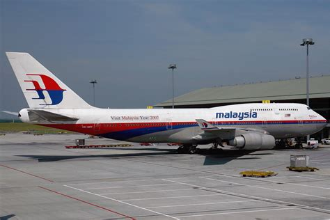 malaysia airlines   privatized  restructured