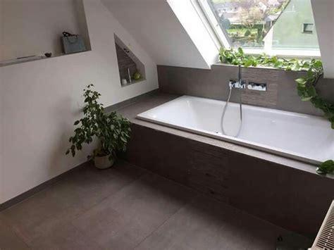 Badewanne Unter Dachschräge. Tolle Fliesen Dazu