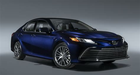 2021 Toyota Camry Debuts New Safety Tech And XSE Hybrid ...