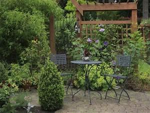 Grüner Sichtschutz Garten : sichtschutz garten ~ Markanthonyermac.com Haus und Dekorationen