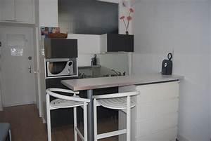 Studio a louer en plein coeur de nice for Petite cuisine équipée avec chaise coloràé