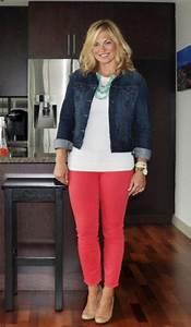 25 Casual Outfits For Women Over 40 - GetFashionIdeas.com - GetFashionIdeas.com