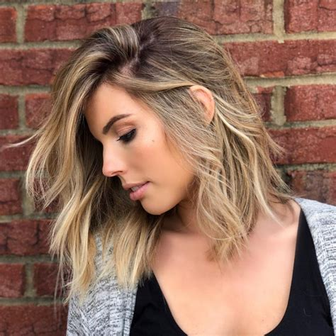 24 Medium Hairstyles For Oval Faces in 2019