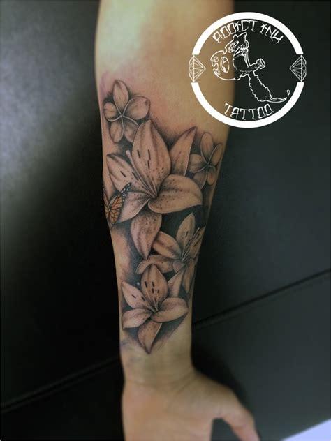 Tatouage Fleur De Lys Femme