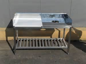 Stainless Steel Fish Cleaning Table with Sink