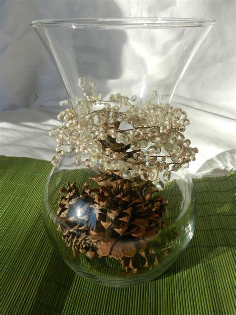 easy holiday centerpieces natal pinecone centerpiece