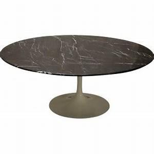 Table Basse Tulipe : grande table basse ovale en marbre eero saarinen ann es ~ Teatrodelosmanantiales.com Idées de Décoration