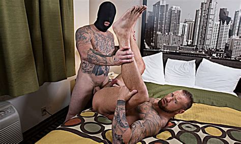 Michael Roman Takes A Hard Pounding From Gage Unkut In