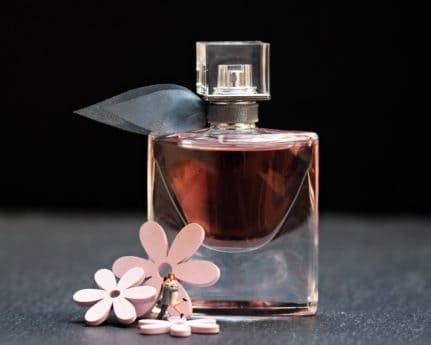 picture perfume bottle glass fragrance luxury