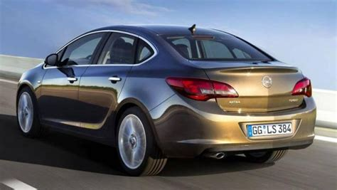 auto 4 porte opel astra sedan 4 porte listino prezzi 2019 consumi e