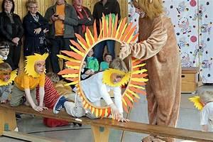 Kinder Spielen Zirkus : zirkus kunterbunt zu gast im kindergarten kr hennest ~ Lizthompson.info Haus und Dekorationen