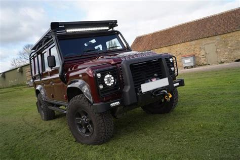 land rover defender  full external roll cage roof