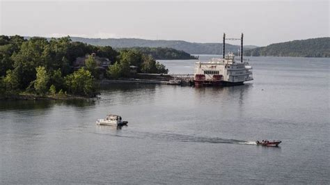 Sinking Boat Tragedy by Missouri Duck Boat Tragedy Coverage Of Sinking In Branson