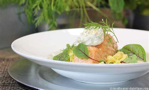 cuisiner un pave de saumon pav 233 de saumon au tagliatelles et courgettes