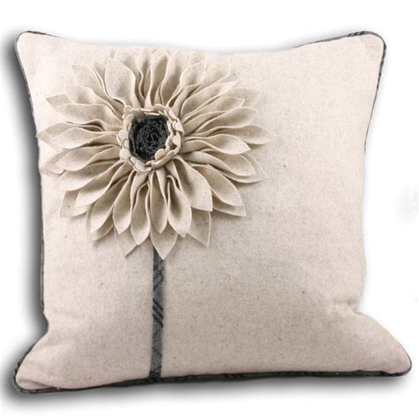 Riva Paoletti Clyde Natural 3d Floral Cushion Cover 45cm