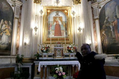 Chiesa Dei Ladari Roma by Ladri Alla Chiesa Delle Vergini Rubata La Corona Della