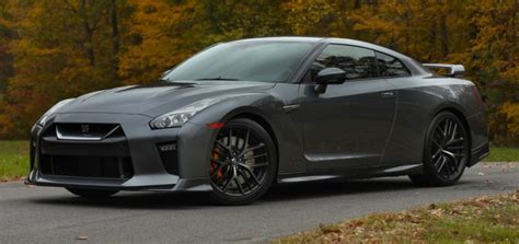 Nissan Cuts GT R Price, Could It Sway Z06 Buyers?   GM