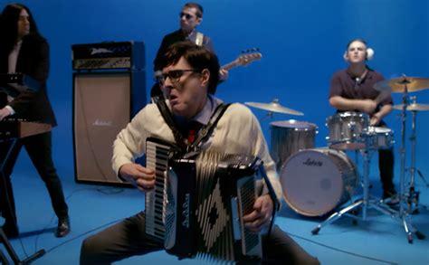 Weezer Estrenan Un Video De