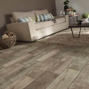 carrelage sol et mur bois 175 x 50 cm julyo castorama With carreaux de ciment exterieur 17 carrelage hexagonal blanc sol et mur parquet carrelage