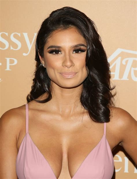 Diane Guerrero Cleavage 14 Photos Thefappening