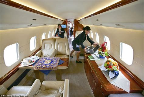 incredible private jets   rich  famous daily