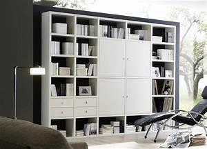 Bücherregal Modernes Design : wohnwand b cherregal wei mit hochglanzt ren in hochwertigem design designerm bel moderne ~ Sanjose-hotels-ca.com Haus und Dekorationen