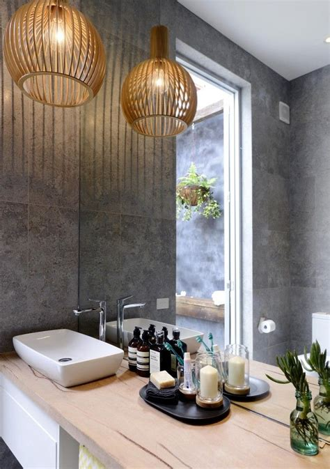 21 Ideas To Decorate Lamps & Chandelier In Bathroom