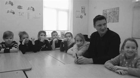 Ko bērni domā par caurviju prasmēm?