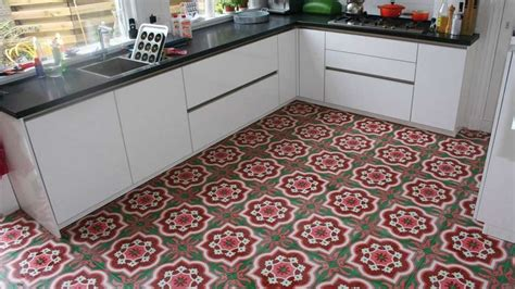 carrelage pour sol de cuisine carrelage pour sol de cuisine maison design bahbe com
