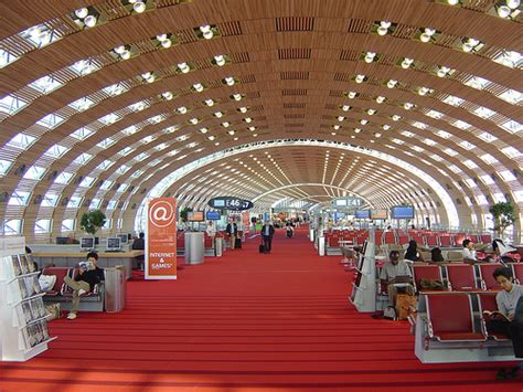 things to do at charles de gaulle airport
