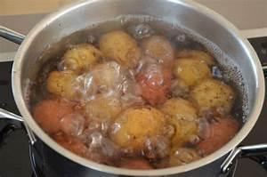 Kartoffeln Im Schnellkochtopf : kartoffeln kochen salz pellkartoffeln wissenswertes ~ Watch28wear.com Haus und Dekorationen