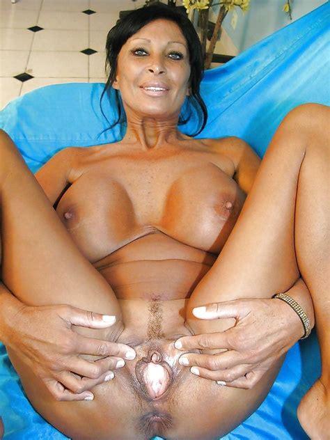 Busty Sexy Mature Big Tits French Hot Milf 26 Imgs