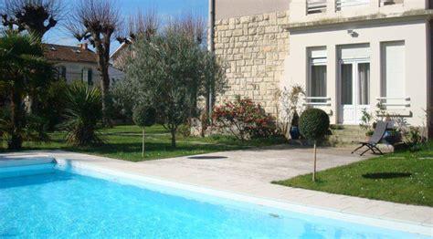 villa 224 vendre avec grand jardin et piscine au centre de la rochelle al immo 17