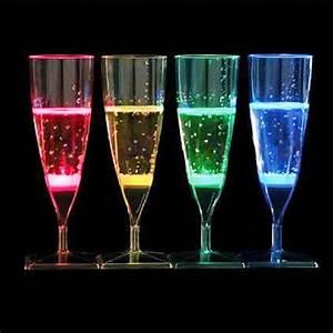 Coupe à Champagne : coupe champagne lumineuse led sur grossiste chinois import ~ Teatrodelosmanantiales.com Idées de Décoration