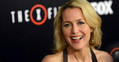 gillian anderson shuts  daily mails botox speculation