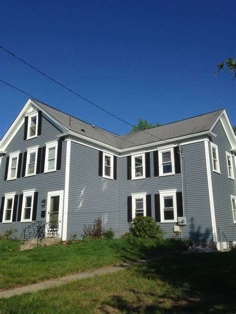mastic carvedwood vinyl siding in wedgewood with