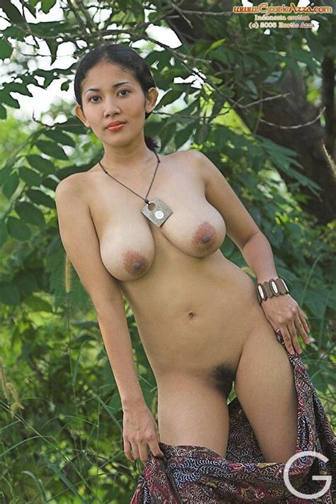 Hairy Porn Pic Indonesian Has A Nice Bush