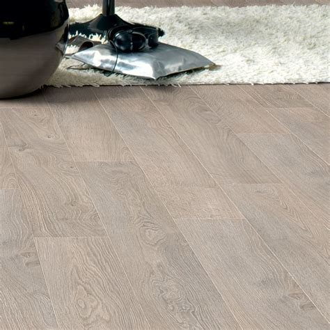nexus planks light grey oak quickstep calando light grey oak effect laminate flooring