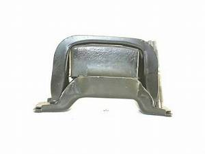 Front Right Engine Mount For 92