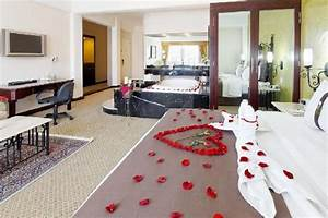 honeymoon suite picture of holiday inn hotel suites With honeymoon suites in okc