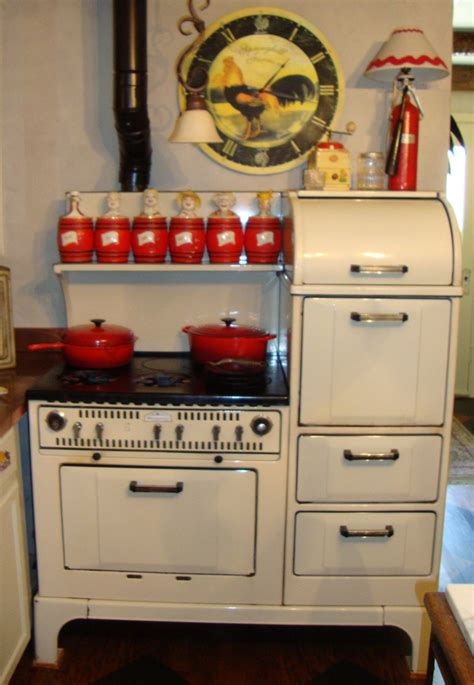 awesome antique  stoves homesfeed