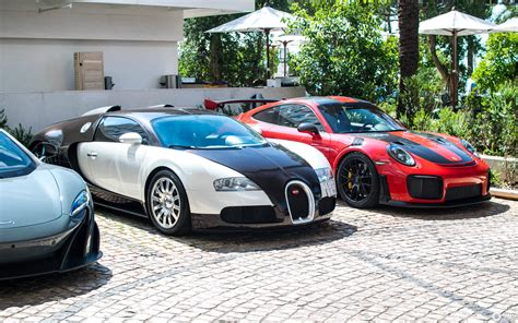 An engineering masterpiece that easily belongs in the car collection of any extremely wealthy automotive connoisseur. Bugatti Veyron 16.4 - 14 November 2018 - Autogespot