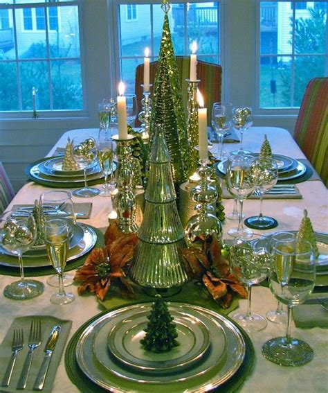 and green christmas table decorations 25 popular christmas table decorations on pinterest all about christmas