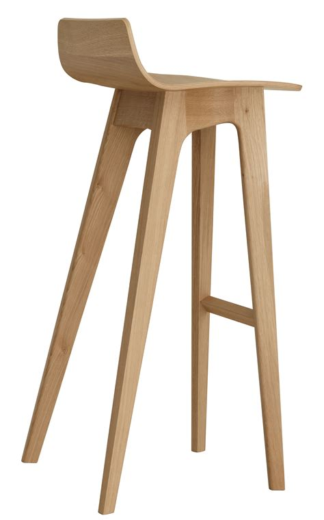 chaise de bar en bois morph bar stool wood h 80 cm oak by zeitraum