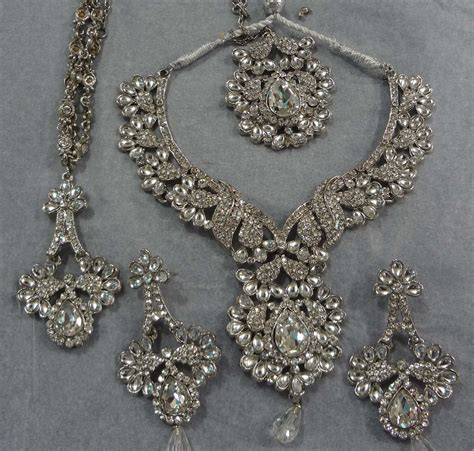 aura  elegance artificial silver bridal jewellery set